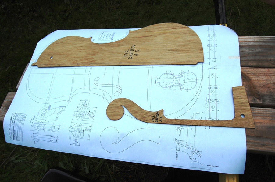 Mold and scroll templates, with drawings