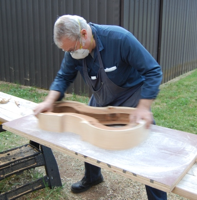 Flattening the gluing surface of a cello garland.