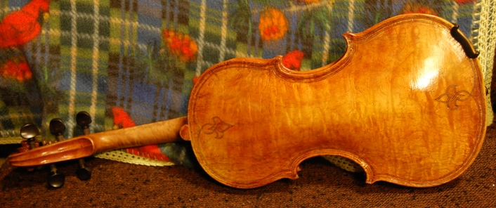 Back view of Oliver 5 string fiddle